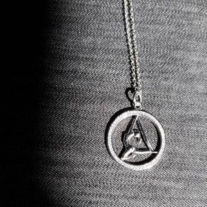 NWOT Aerial Silks Acrobat Necklace